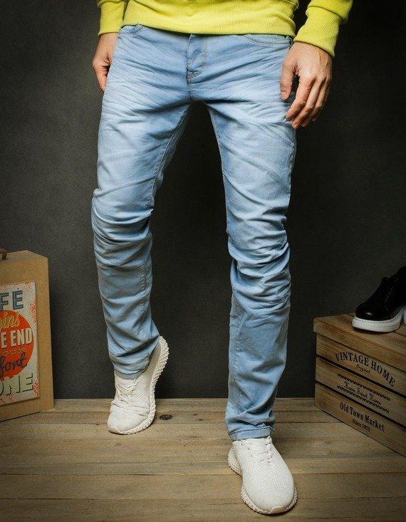 spodnie jeasny z kolekcji wiosna 2020 Dstreet